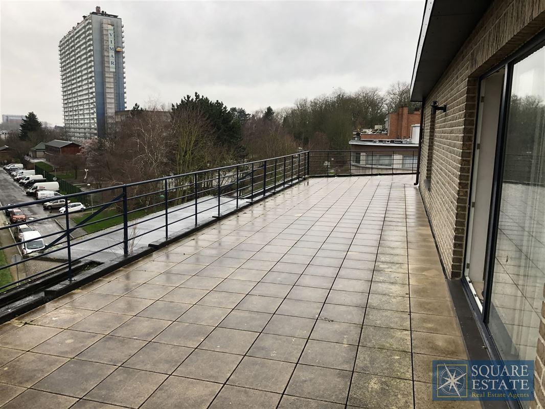 Foto 1 : Penthouse te 1080 SINT-JANS-MOLENBEEK (België) - Prijs € 930