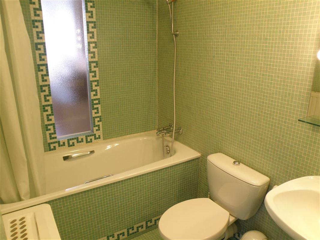 Image 6 : Appartement meublé à 1050 IXELLES (Belgique) - Prix 975 €