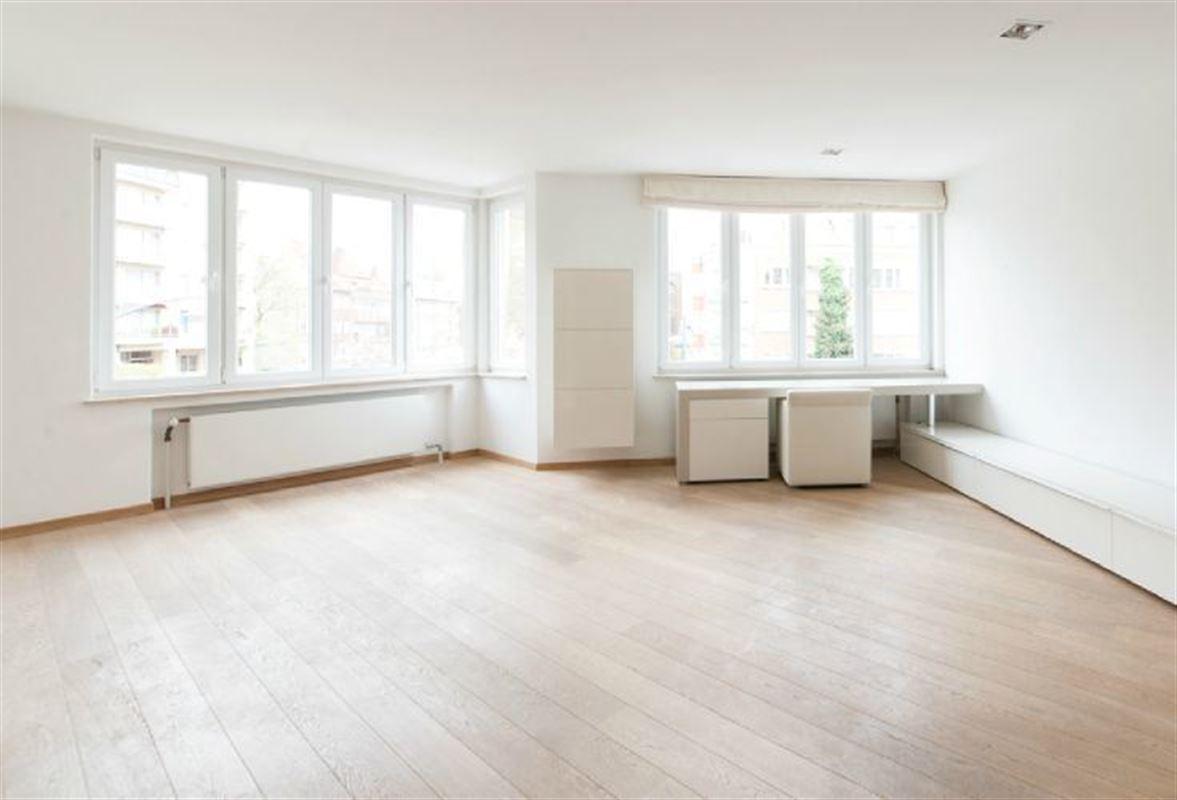 Image 2 : Appartement à 1050 IXELLES (Belgique) - Prix 325.000 €