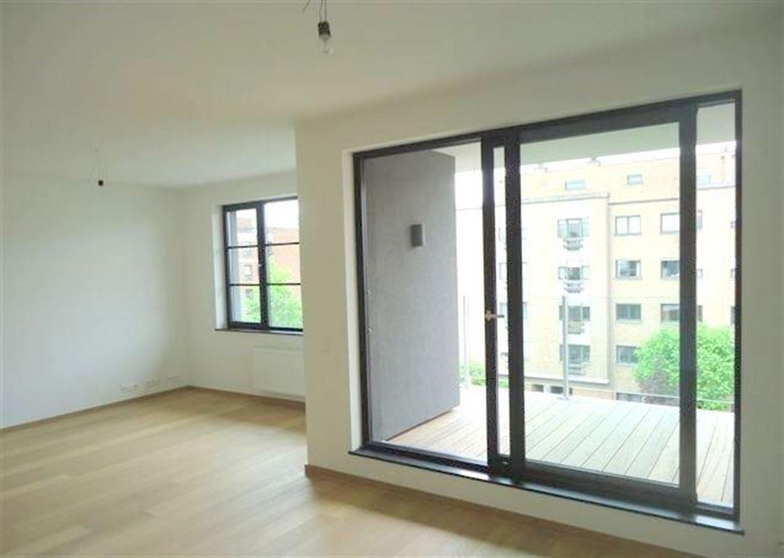 Image 2 : Appartement à 1150 WOLUWE-SAINT-PIERRE (Belgique) - Prix 1.390 €