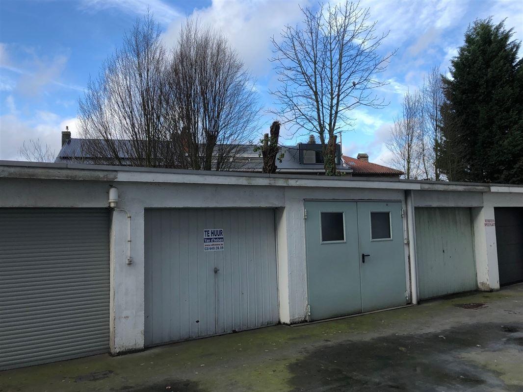 Foto 1 : gesloten garagebox te 2600 Antwerpen Berchem (België) - Prijs € 85