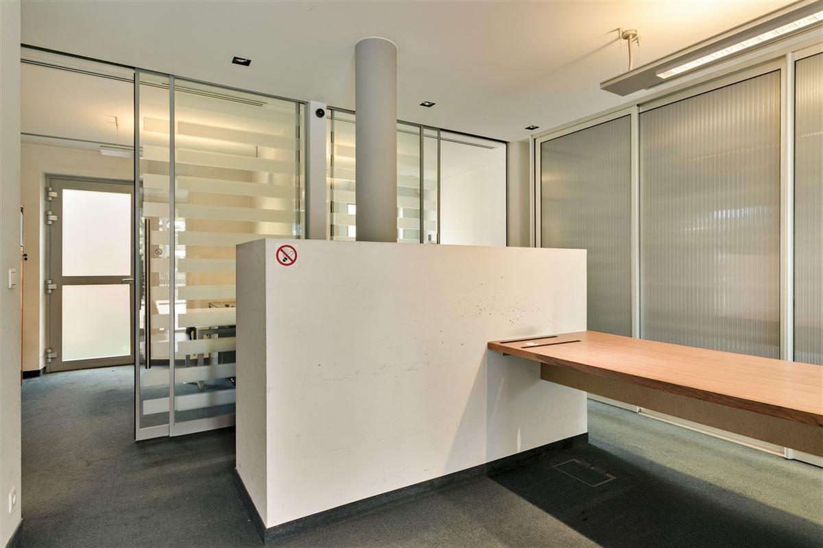 Foto 8 : commercieel gelijkvloers te 2640 MORTSEL (België) - Prijs € 215.000