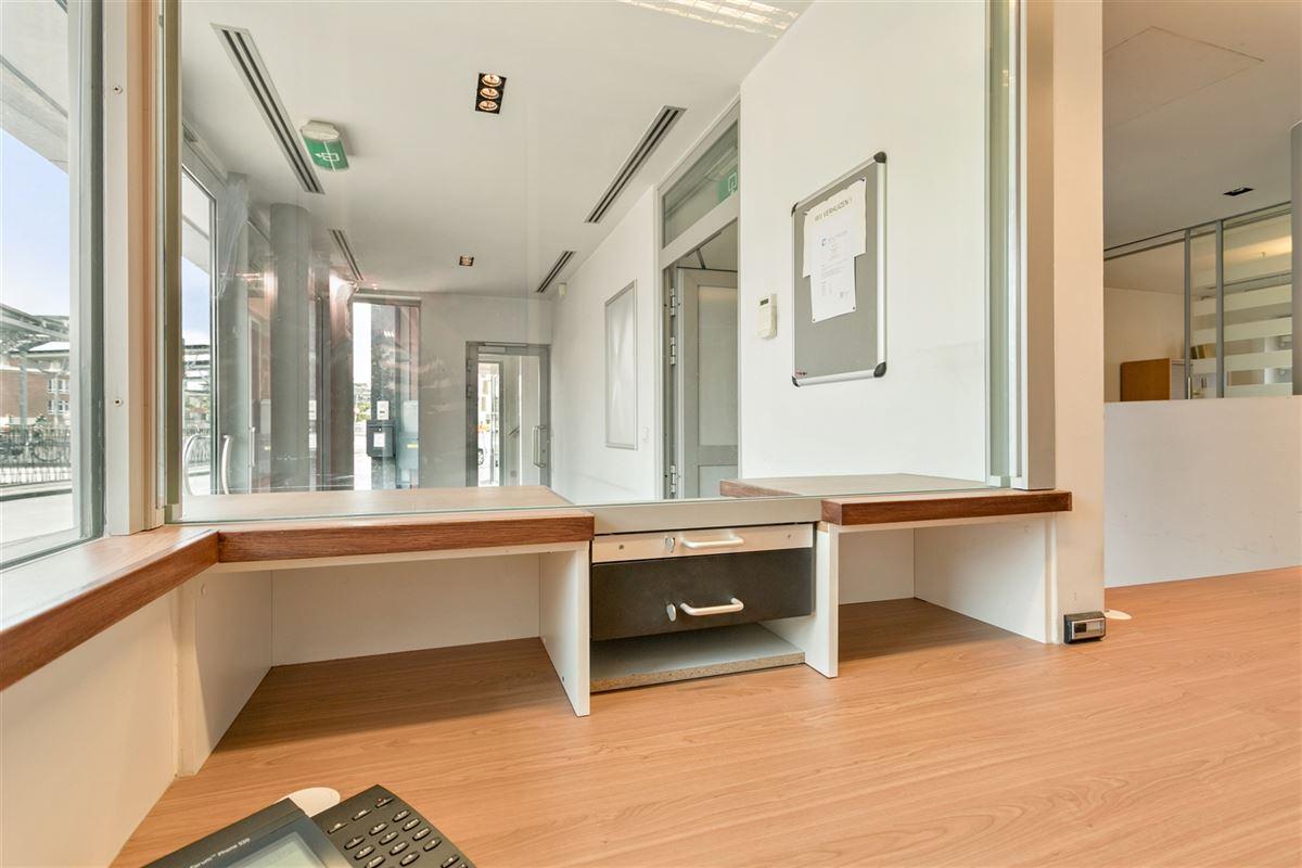 Foto 10 : commercieel gelijkvloers te 2640 MORTSEL (België) - Prijs € 215.000