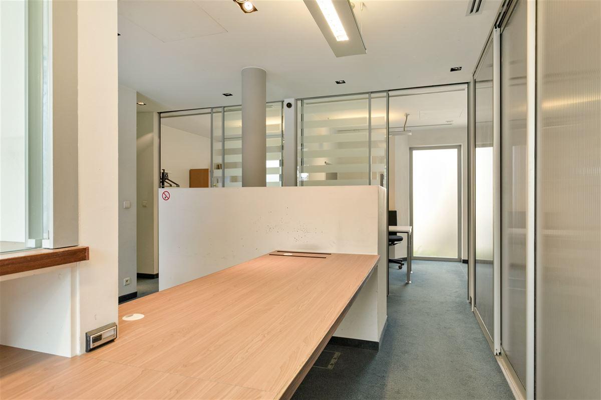 Foto 11 : commercieel gelijkvloers te 2640 MORTSEL (België) - Prijs € 215.000