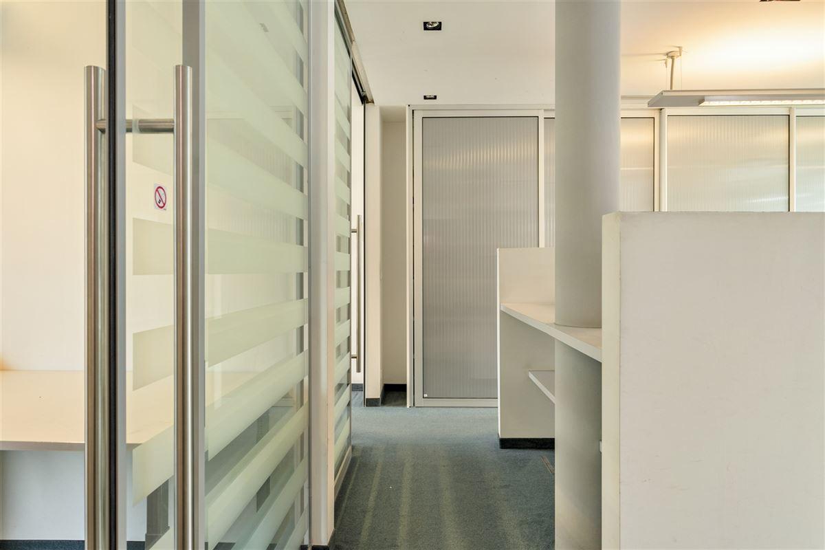 Foto 14 : commercieel gelijkvloers te 2640 MORTSEL (België) - Prijs € 215.000