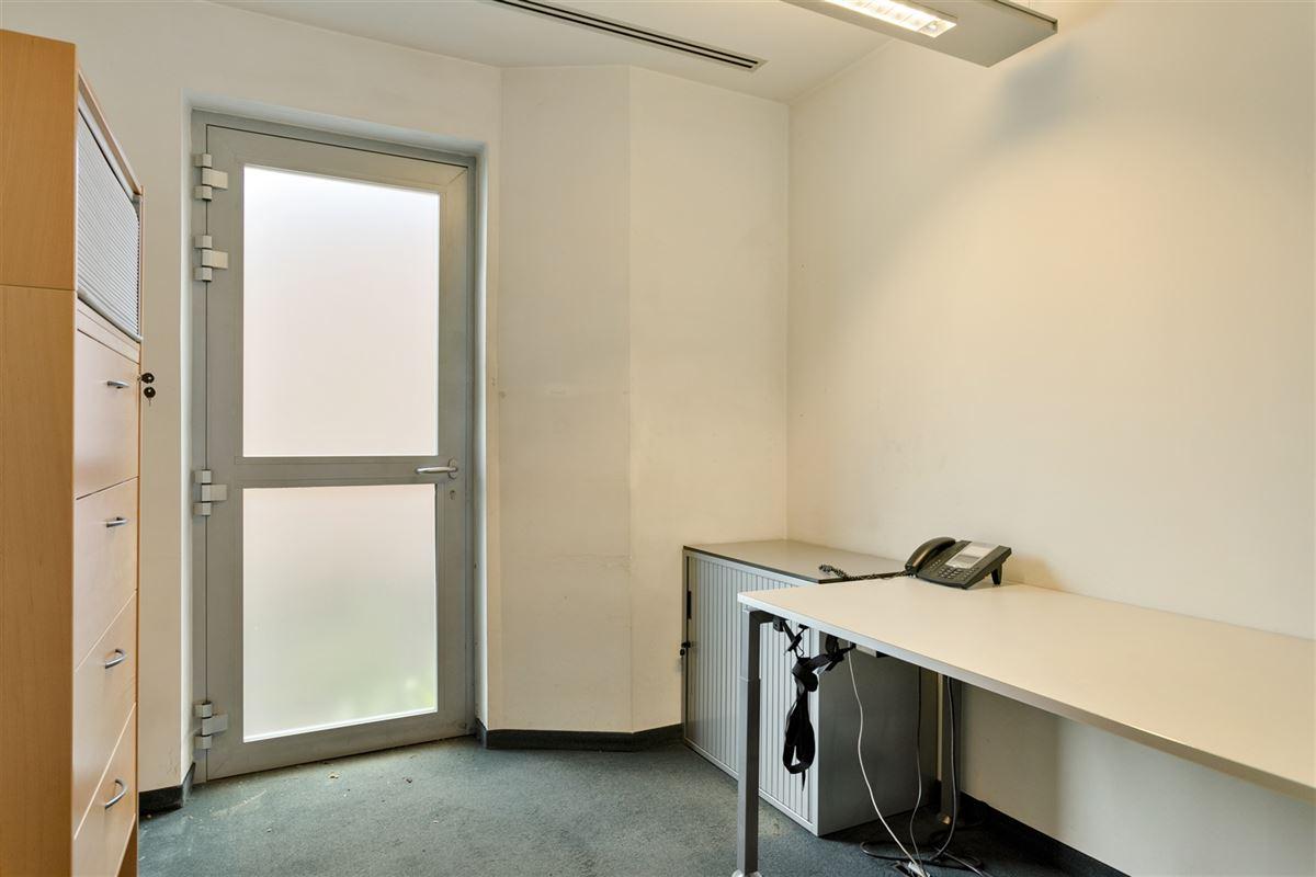 Foto 15 : commercieel gelijkvloers te 2640 MORTSEL (België) - Prijs € 215.000