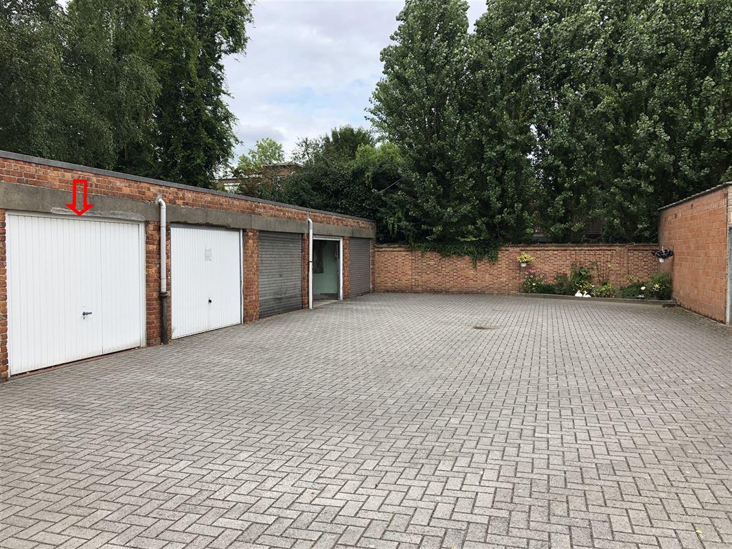Foto 2 : gesloten garagebox te 2600 BERCHEM (België) - Prijs € 24.000