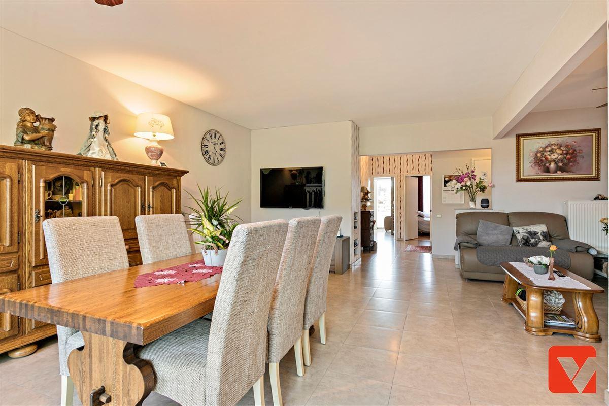 Foto 8 : Appartement te 2600 BERCHEM (België) - Prijs € 235.000