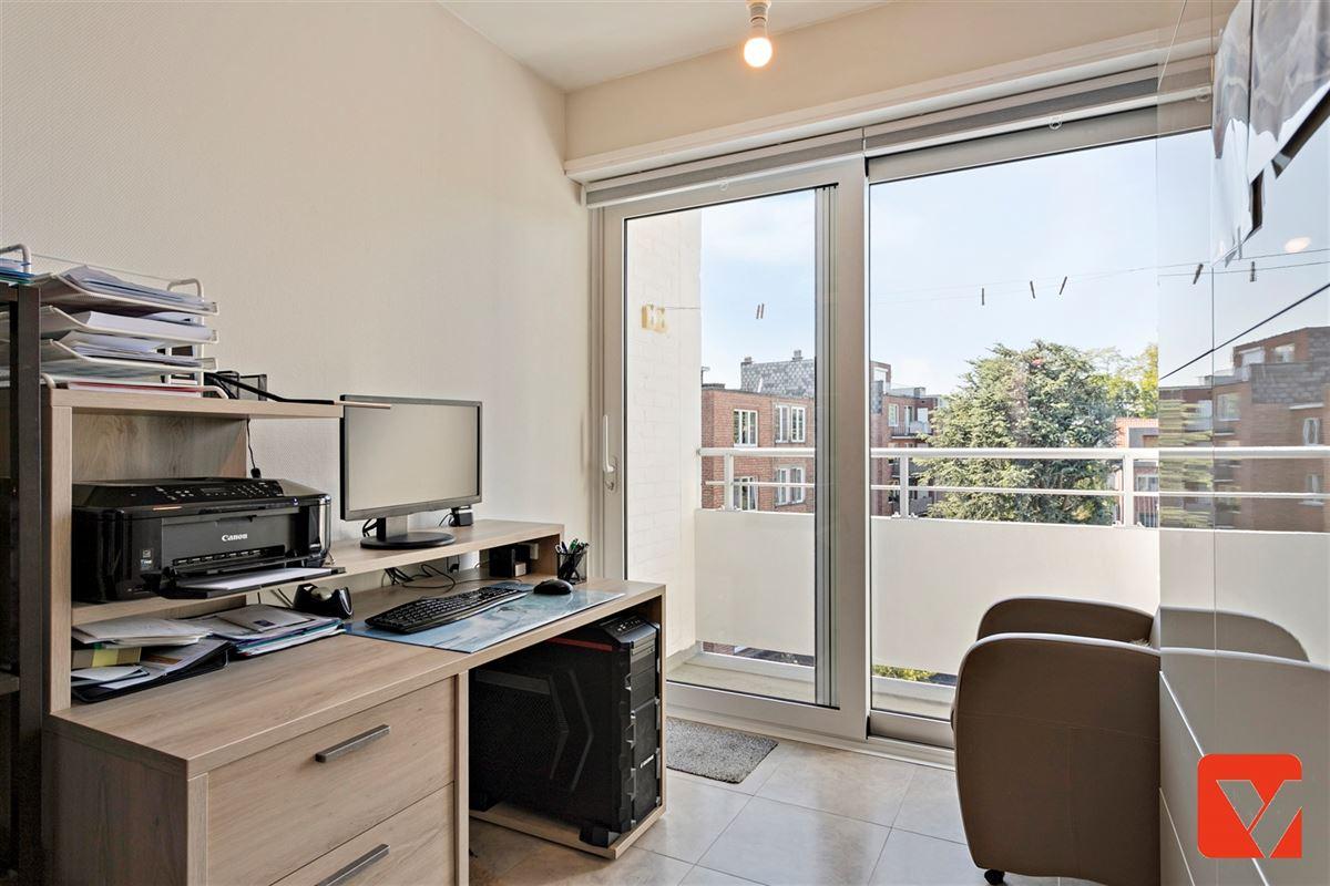 Foto 16 : Appartement te 2600 BERCHEM (België) - Prijs € 235.000