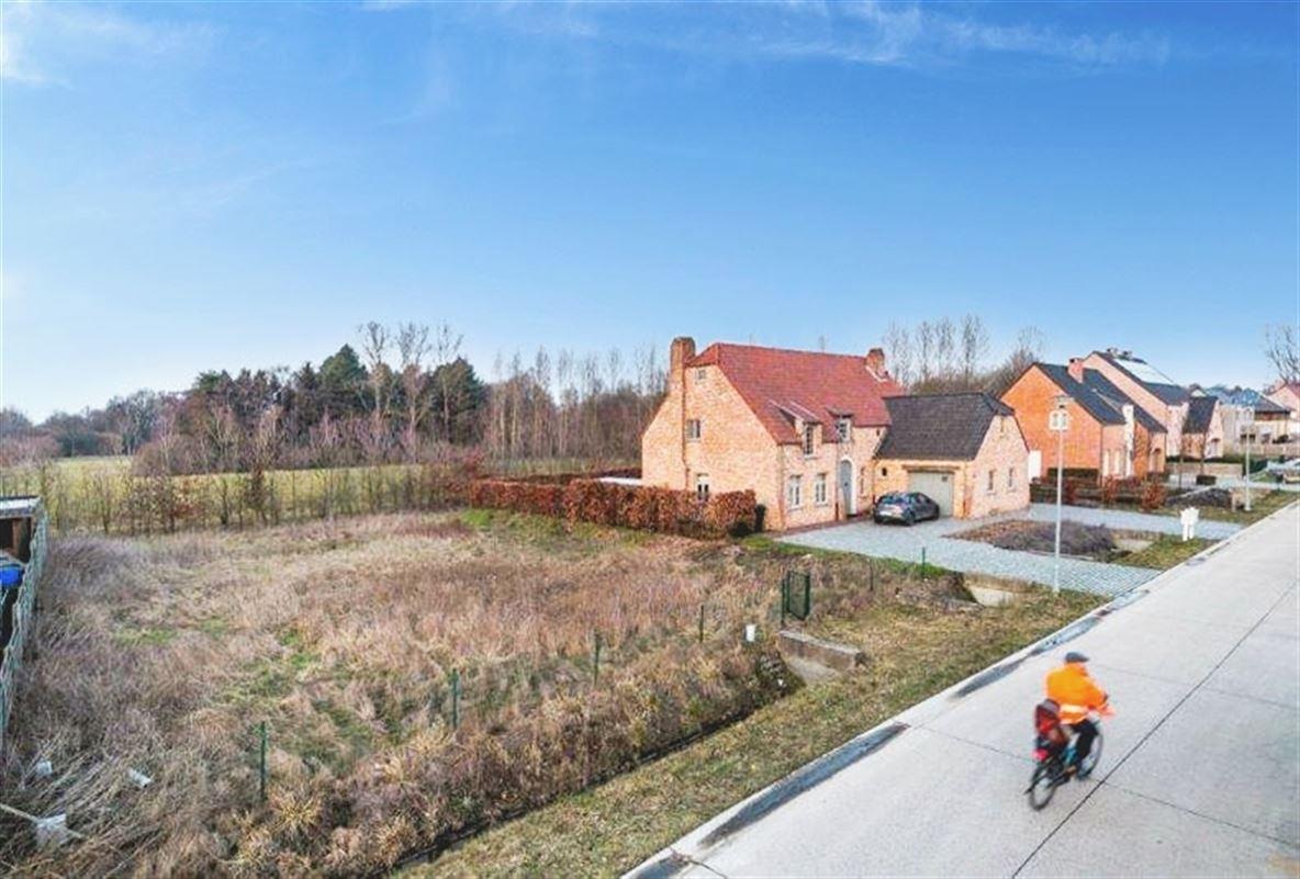 Bouwgrond voor open bebouwing met zicht op natuurgebied te koop te WESTMEERBEEK (2235)