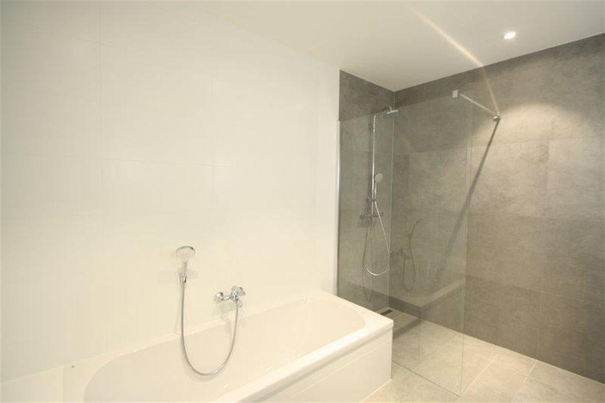 Lichtrijk appartement met 2 slk & 2 terrassen te huur te PUTTE (2580)