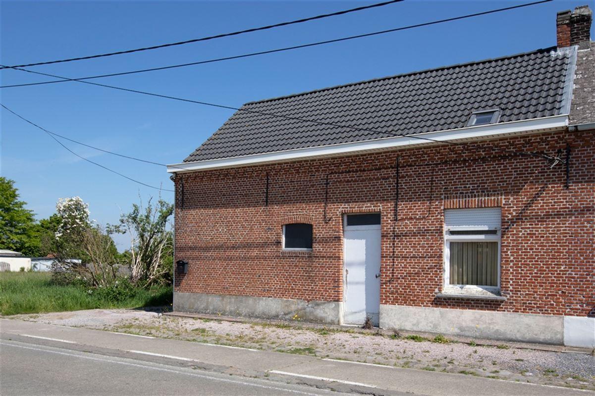Te renoveren woning op een ruim perceel te koop te KONINGSHOOIKT (2500)