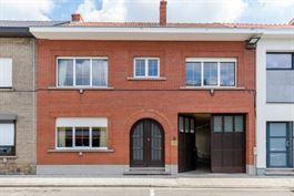 Woonst met magazijn/loods te Mechelen. te koop te MECHELEN (2800)